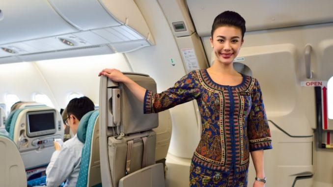 singapore-airlines-flugbegleiterin